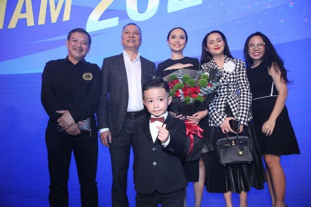 Những khoảnh khắc đẹp trong đêm trao giải Quả bóng vàng Việt Nam - 3