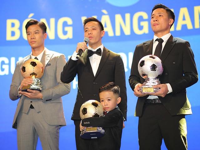 Những khoảnh khắc đẹp trong đêm trao giải Quả bóng vàng Việt Nam - 1