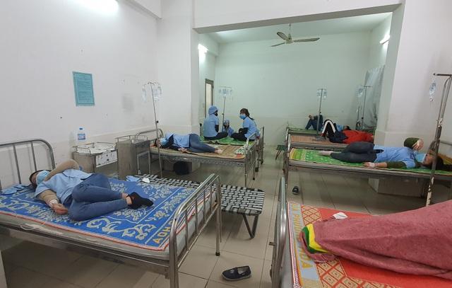 Phú Yên: 82 công nhân nhập viện sau bữa ăn trưa - 2