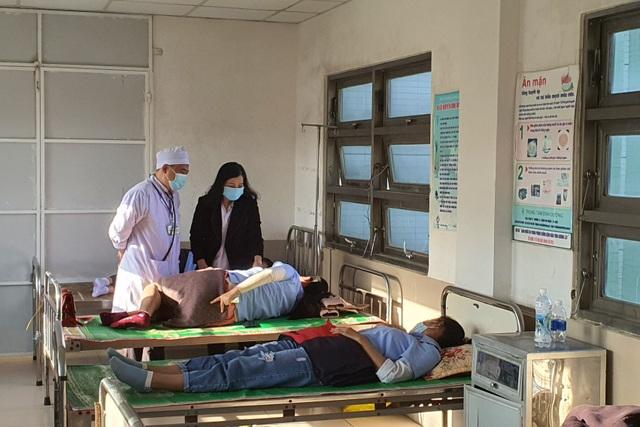Phú Yên: 82 công nhân nhập viện sau bữa ăn trưa - 1