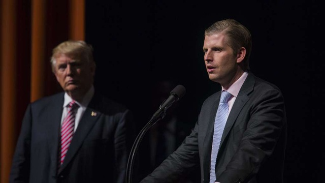 Con trai phàn nàn ông Trump và tập đoàn gia đình bị tẩy chay - 1
