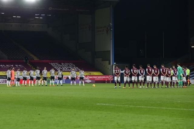 Pogba đưa Man Utd dẫn đầu Premier League sau 7 năm 7 tháng - 1
