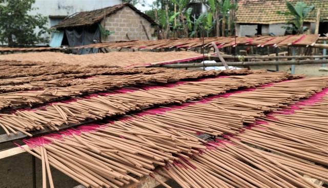 Làng nghề làm nhang lớn nhất xứ Quảng hối hả vào vụ Tết - 7
