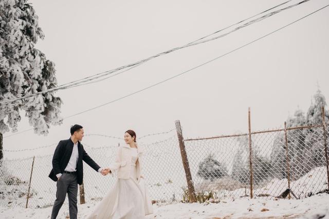 Cặp đôi Hà Nội vượt 400km chụp ảnh cưới với băng tuyết kỳ ảo ở Y Tý - 4