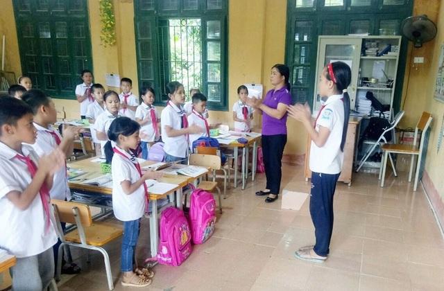 Cô giáo Tày tìm tòi, sáng tạo trong giảng dạy - 1