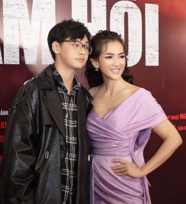 Con trai cao 1,8m của diễn viên Anh Thư ủng hộ mẹ tái xuất điện ảnh - 2