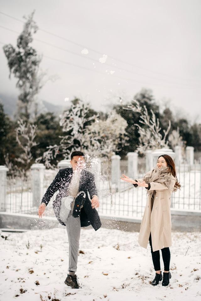 Cặp đôi Hà Nội vượt 400km chụp ảnh cưới với băng tuyết kỳ ảo ở Y Tý - 9