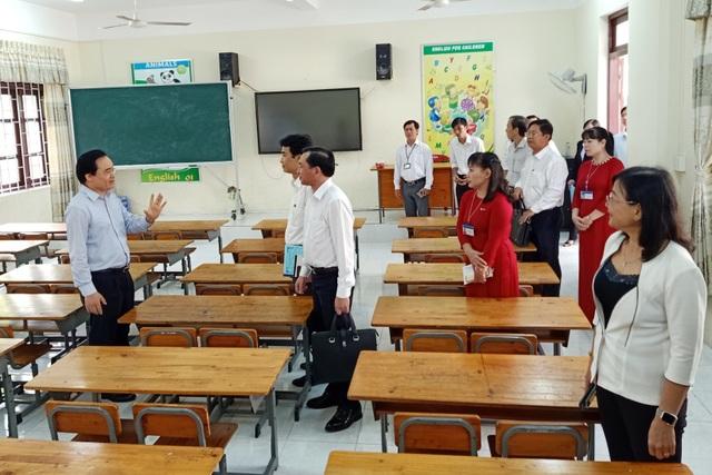 Bộ trưởng GDĐT: Việc chọn sách giáo khoa cần phải đảm bảo công bằng - 2