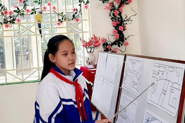 Thầy giáo trẻ Thanh Hóa truyền tình yêu đất nước tới học trò bằng tranh vẽ - 10