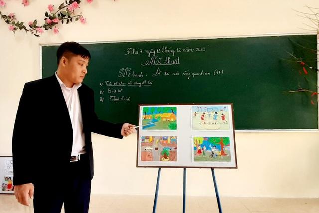Thầy giáo trẻ Thanh Hóa truyền tình yêu đất nước tới học trò bằng tranh vẽ - 8