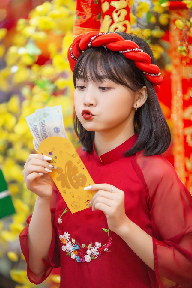 khoe-anh-ron-rang-khong-khi-tet-cua-nhung-hot-girldocx-1610473928420.jpeg