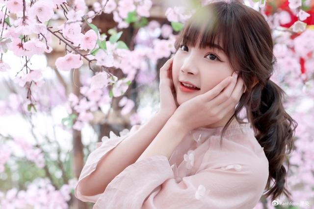khoe-anh-ron-rang-khong-khi-tet-cua-nhung-hot-girldocx-1610473929054.jpeg