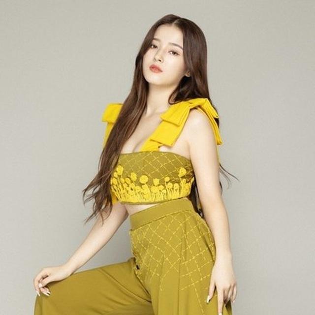 Vẻ gợi cảm của nữ thần tượng xứ Hàn bị phát tán ảnh nóng - 2