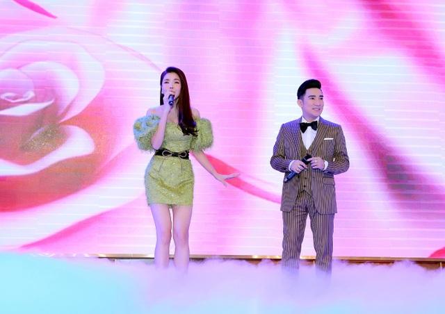 Pha Lê ẵm con 2 tháng tuổi ủng hộ Quang Hà và Kiwi Ngô Mai Trang - 11