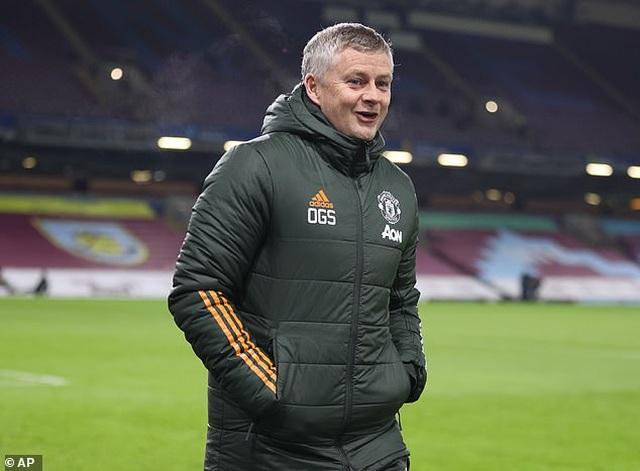 HLV Solskjaer phấn khích khi Man Utd dẫn đầu Premier League - 2