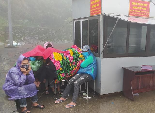 Hà Tĩnh: Hàng ngàn lao động về nước sớm để cách ly đón Tết - 1