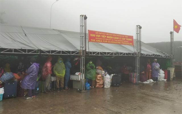 Hà Tĩnh: Hàng ngàn lao động về nước sớm để cách ly đón Tết - 3