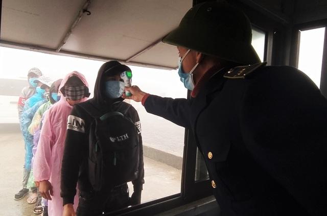 Hà Tĩnh: Hàng ngàn lao động về nước sớm để cách ly đón Tết - 2