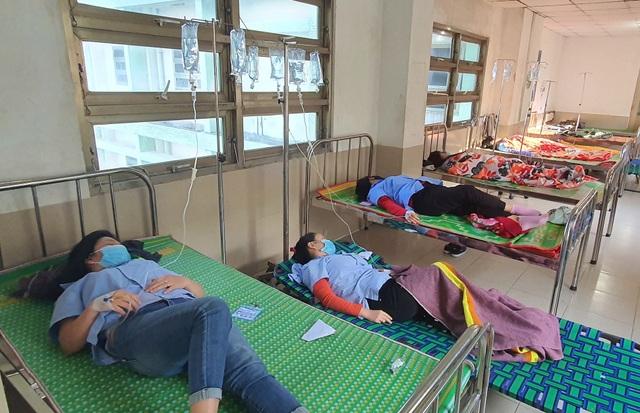 Vụ 82 công nhân nhập viện: 70 người sức khỏe đã ổn định về nhà tự theo dõi - 1