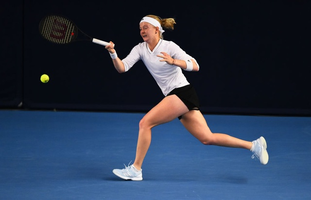 Cô gái thiếu hai ngón tay vượt qua vòng loại Australian Open 2021 - 2