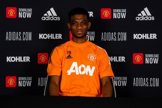 Man Utd chính thức ra mắt bom tấn Amad Diallo - 1