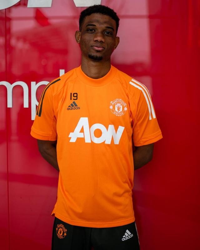 Man Utd chính thức ra mắt bom tấn Amad Diallo - 7