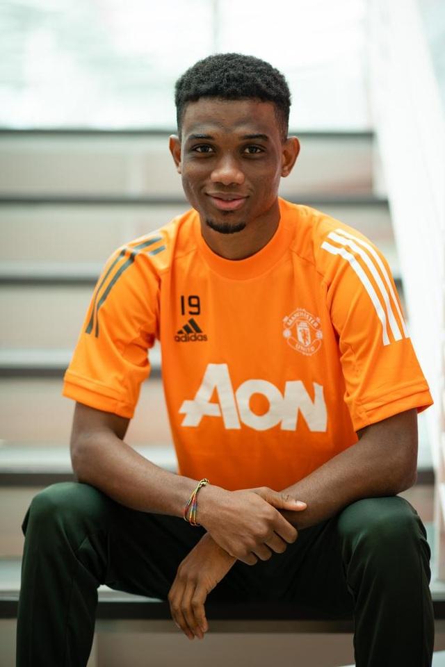 Man Utd chính thức ra mắt bom tấn Amad Diallo - 5