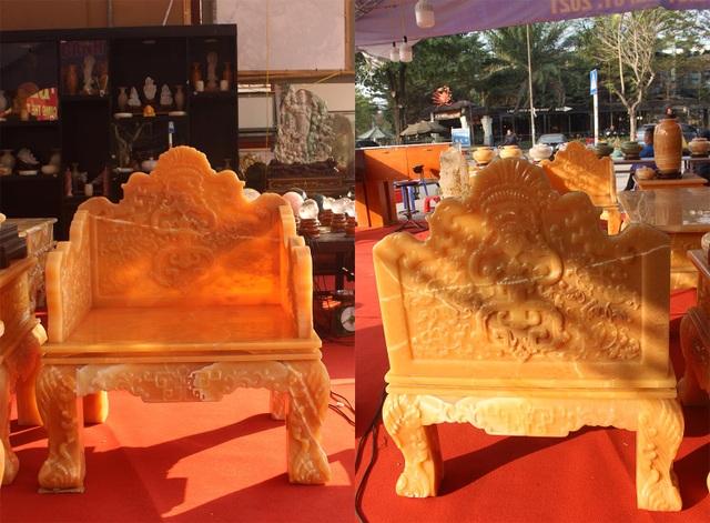 Chiêm ngưỡng bộ bàn ghế khủng bằng ngọc quý ở Ninh Bình - 7
