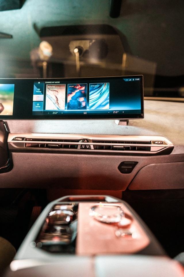 CES 2021: BMW gây chú ý với màn hình siêu rộng và iDrive thế hệ mới - 3