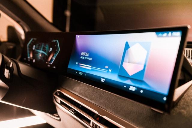 CES 2021: BMW gây chú ý với màn hình siêu rộng và iDrive thế hệ mới - 1