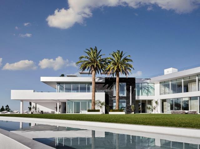 Hình ảnh bên trong căn nhà rộng nhất thế giới sau 8 năm xây bí mật - 2