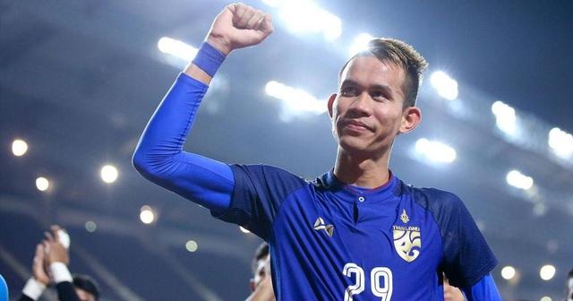 Báo Thái Lan: Ba ngôi sao chuẩn bị theo chân Kiatisuk đến V-League - 2