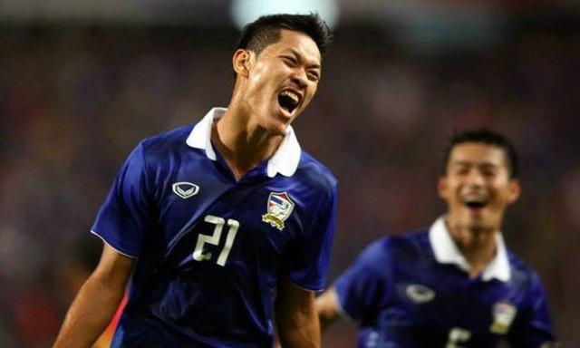 Báo Thái Lan: Ba ngôi sao chuẩn bị theo chân Kiatisuk đến V-League - 3
