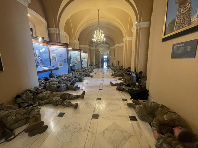 Nhà quốc hội Mỹ thành căn cứ quân sự trước thềm ông Biden nhậm chức - 10