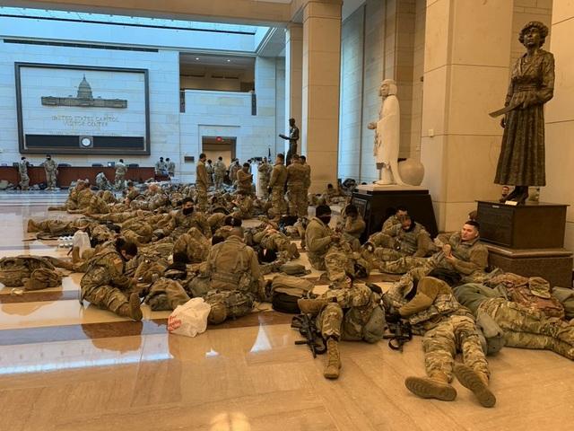 Nhà quốc hội Mỹ thành căn cứ quân sự trước thềm ông Biden nhậm chức - 11
