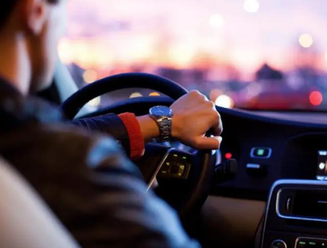 Đỉnh cao của kiên nhẫn thi lấy bằng lái xe: 158 lần mới đỗ - 2