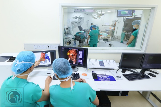 Xuất hiện khối sưng, đau ở hông trái coi chừng ung thư xương - 1