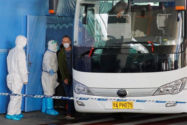 Trung Quốc từ chối cho 2 chuyên gia WHO nhập cảnh - 1