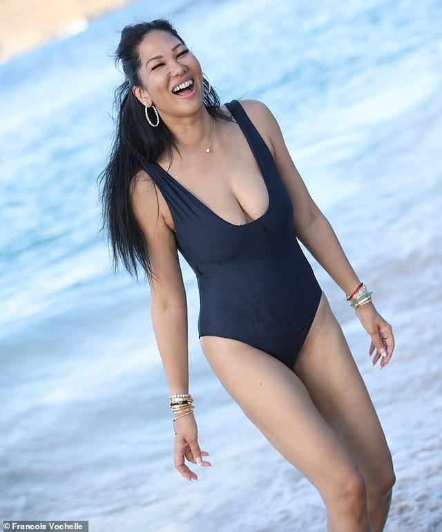 Izabel Goulart, Jennifer Lopez... khoe dáng trên biển - 5