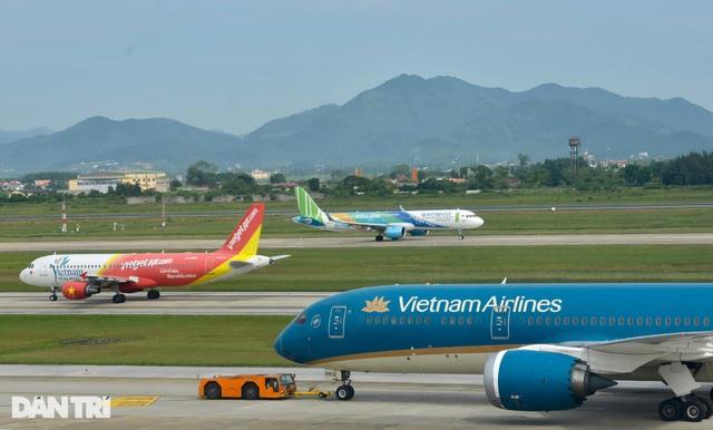 Ba hãng bay bị tuýt còi, yêu cầu dừng ngay việc bán vé Tết vượt số lượng - 1