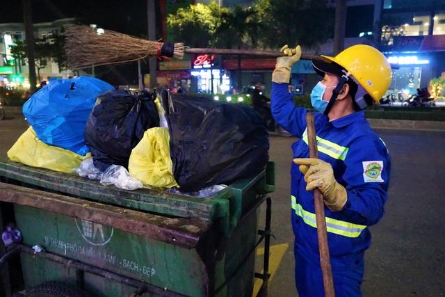 Đà Nẵng: Người lao động chật vật mưu sinh trong giá rét - 13