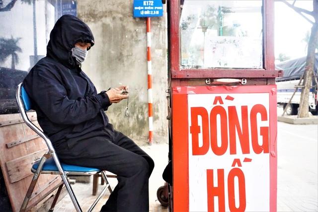 Đà Nẵng: Người lao động chật vật mưu sinh trong giá rét - 2