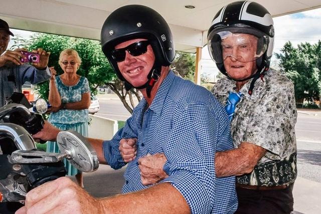 Cụ ông già nhất nước Úc chia sẻ bí quyết sống thọ - 2