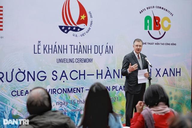 Đại sứ Mỹ khánh thành bức tranh tường 100m2 về chủ đề môi trường tại Hà Nội - 4
