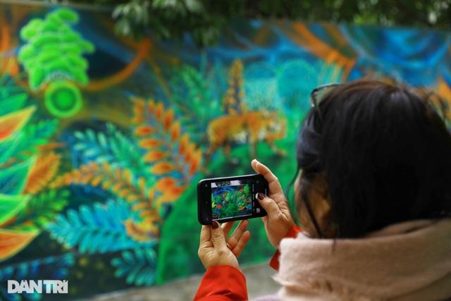 Đại sứ Mỹ khánh thành bức tranh tường 100m2 về chủ đề môi trường tại Hà Nội - 13
