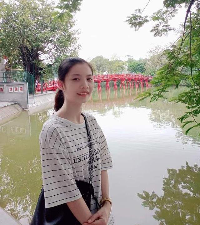 Hiện tại, Nhung đang là sinh viên năm thứ 3 ngành Tâm lý học và Giáo dục của Học viện Quản lý giáo dục