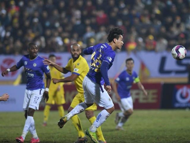 CLB Hà Nội thua đậm CLB Nam Định ở ngày mở màn V-League - 2