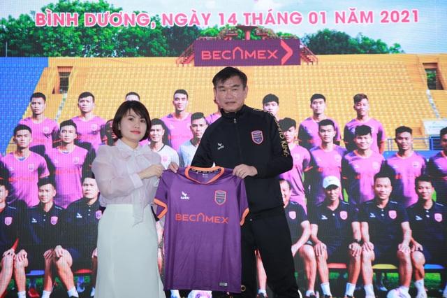 HLV Phan Thanh Hùng sẽ giúp B.Bình Dương trở lại cuộc đua vô địch? - 2
