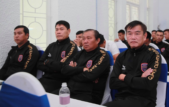 HLV Phan Thanh Hùng sẽ giúp B.Bình Dương trở lại cuộc đua vô địch? - 1