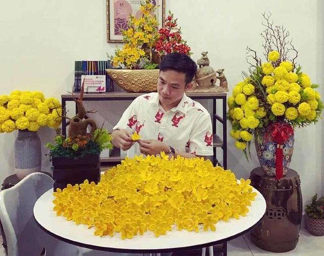 Hoa đào len sợi, giá chục triệu đồng vẫn khó mua chơi Tết - 1